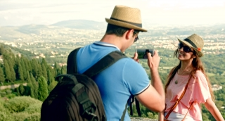 Tourist Taking Pictures Couple Tuscany Nature Beauty Landscape