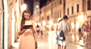 Young Beautiful Successful Woman Using Tablet Computer Business Concept Holiday Vacation Romantic Destination Work Travel Success  Holiday Remote Job Manager Beautiful Old Historical Town Uhd 4K