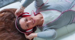 Music Beautiful Girl Young Attractive Mp3 Headphones Female Smile Portrait Fun Sound People Caucasian Person Enjoying Happy Woman Listen Background Audio