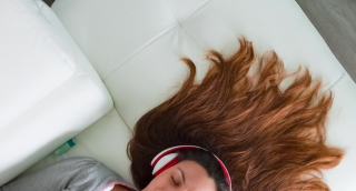 Music Woman Person Girl Dance Dj Beautiful Young Attractive Mp3 Headphones Female Smile Portrait Fun Sound Caucasian Enjoying Happy Listen Audio Earphones Adult Song Babe Lifestyle Radio Listening Pre