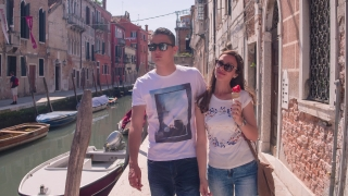 Couple Sightseeing Buildings Ice Cream Summer Canal Vacation Honeymoon Indulgence Sunglasses Destination Freshness Love Casual Food Venice Transportation Famous
