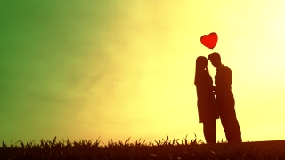 Young Lovers Romantic Date Silhouette Heart Balloon