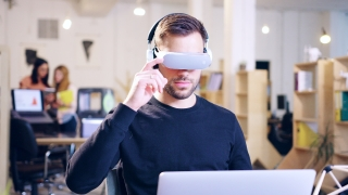 Enveloper Professional Innovative Entrepreneur Wearing Virtual Reality Vr Headset Glasses Future Of Business Sdk Software Engineering Testing Augmented Reality Headset Developing Futuristic Technology