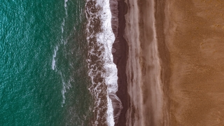Epic Aerial Flyover Over Beautiful Icelandic Sea Shore Beach Waves Crushing Nature Beauty Nordic Nature Inspiration