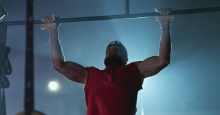 Crossfit Bodybuilder Athlete Working Out Performing Pull Ups At The Gym Active Lifestyle Determination Crossfit Focus Success Concept 4k