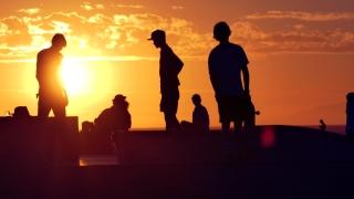 Tourists Skateboarding Sunset Silhouette Extreme Skatepark Footage Orange Sunlight Youth Culture Enjoyment Sport Vacation Skateboard Los Angeles Skill Sky Recreation