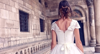 Innocence Purity Concept Young Princess Woman Bride  White Vintage Dress Walking Medieval Corridor Pillars Arch Architecture Art Abstract Uhd 4K
