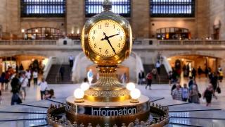 Illuminated Clock Grand Central Station Tourists Footage Famous Travel Time Manhattan Landmark City Crowd Transportation USA New York Interior HD